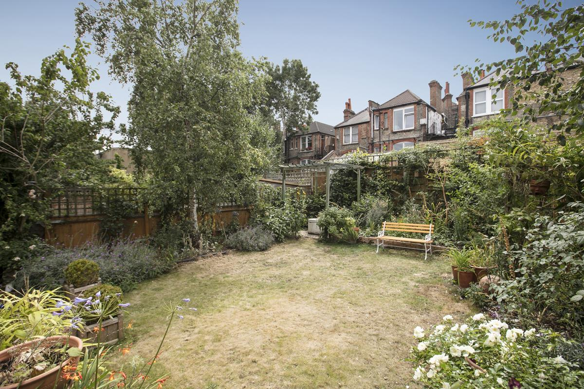 House - Semi-Detached For Sale in Earlsthorpe Road, Sydenham, SE26 367 view31