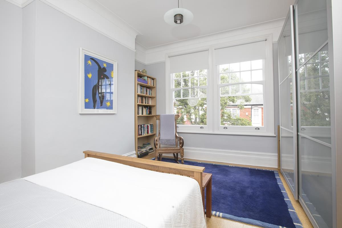 House - Semi-Detached For Sale in Earlsthorpe Road, Sydenham, SE26 367 view10