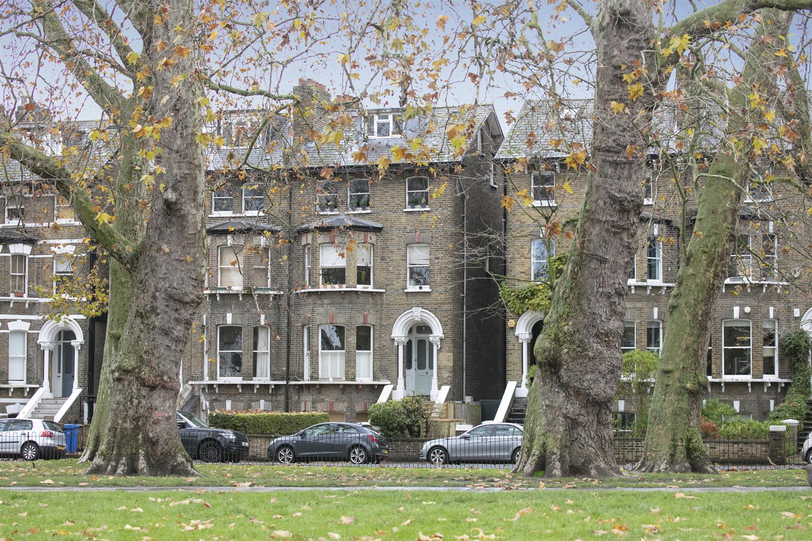Flat - Conversion Sold in East Dulwich Road, Dulwich, SE22 545 view1