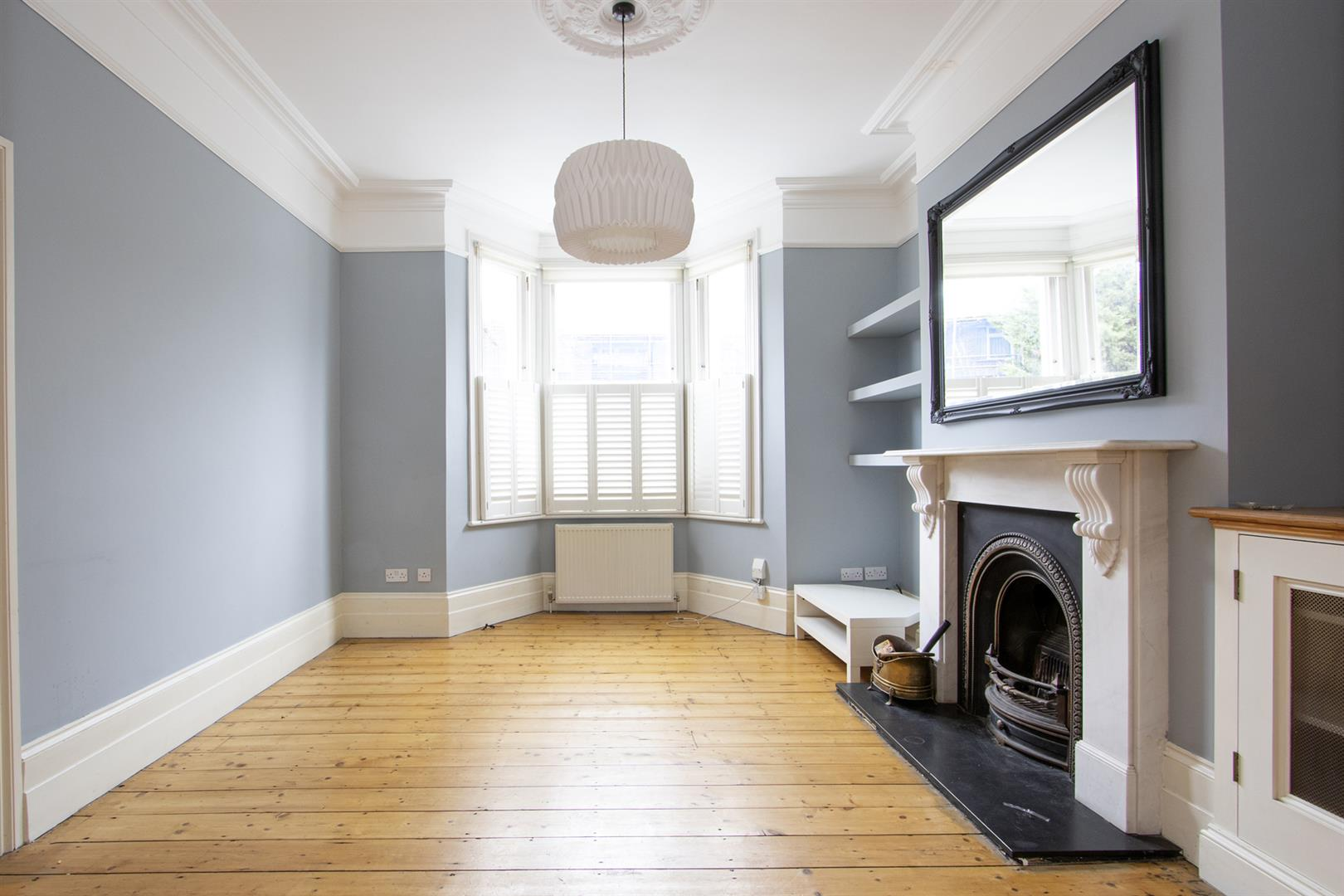 House - Terraced Sale Agreed in Elmington Road, Camberwell, SE5 718 view3