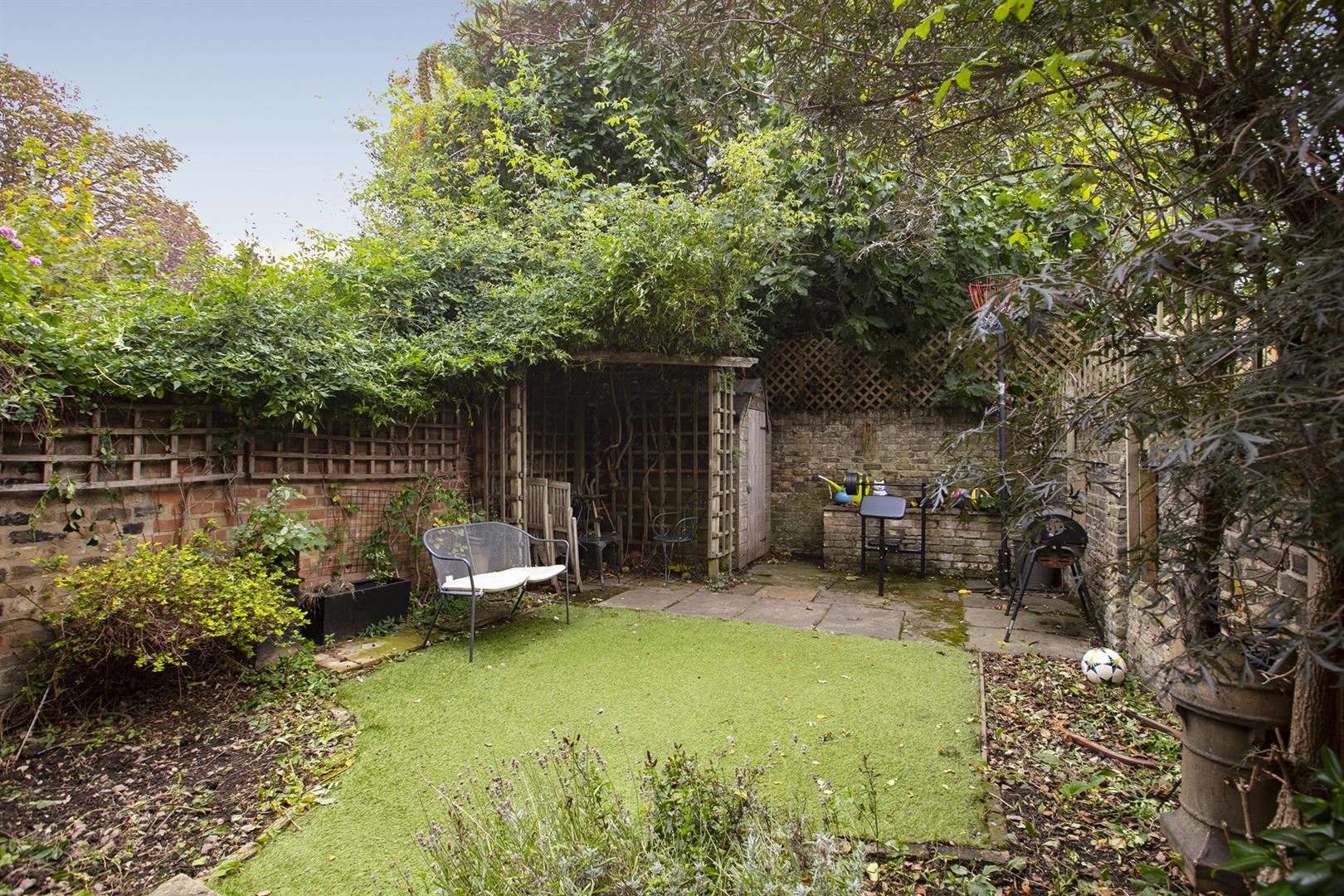 House - Terraced Sale Agreed in Elmington Road, Camberwell, SE5 718 view19