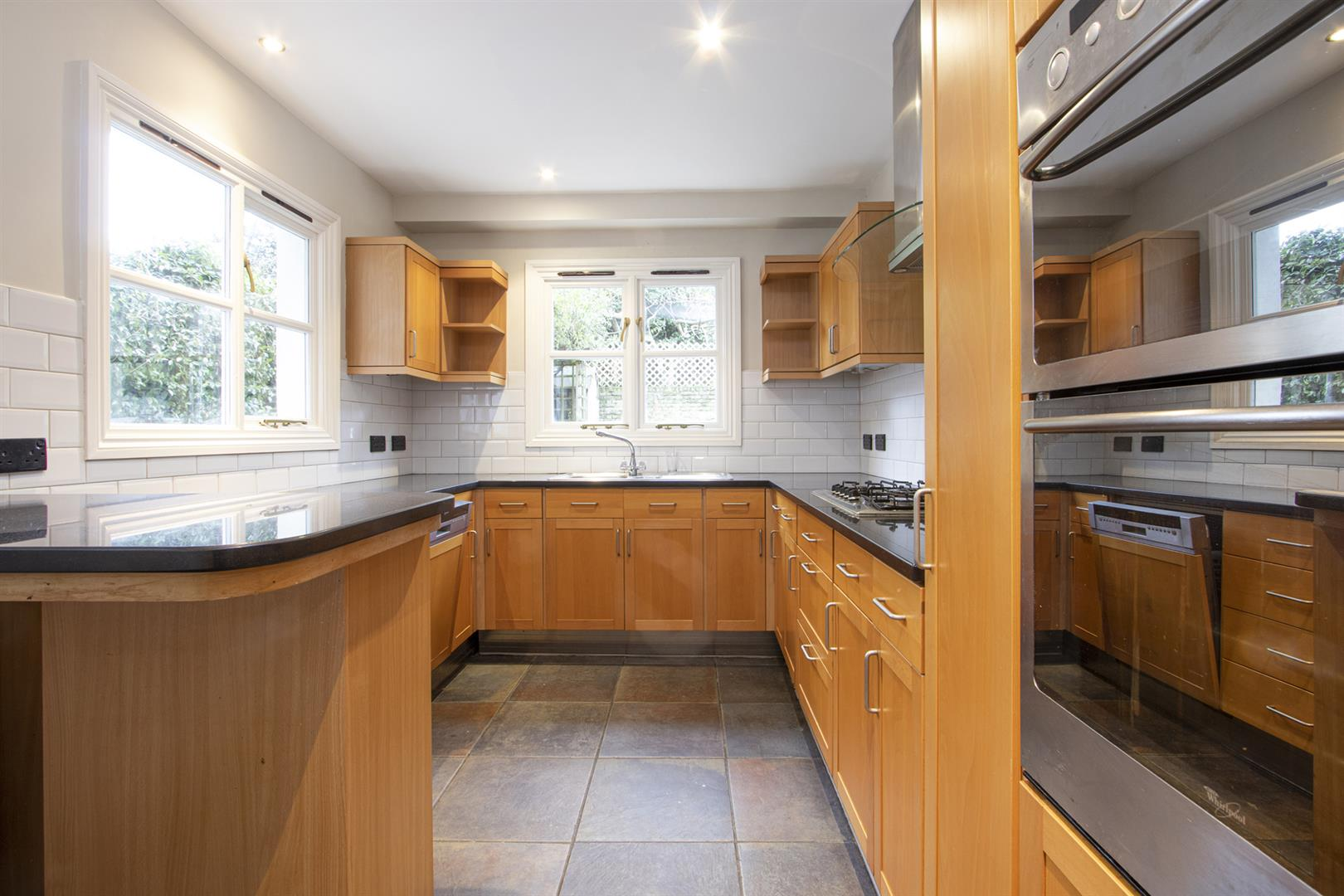 House - Terraced Sale Agreed in Elmington Road, Camberwell, SE5 718 view5
