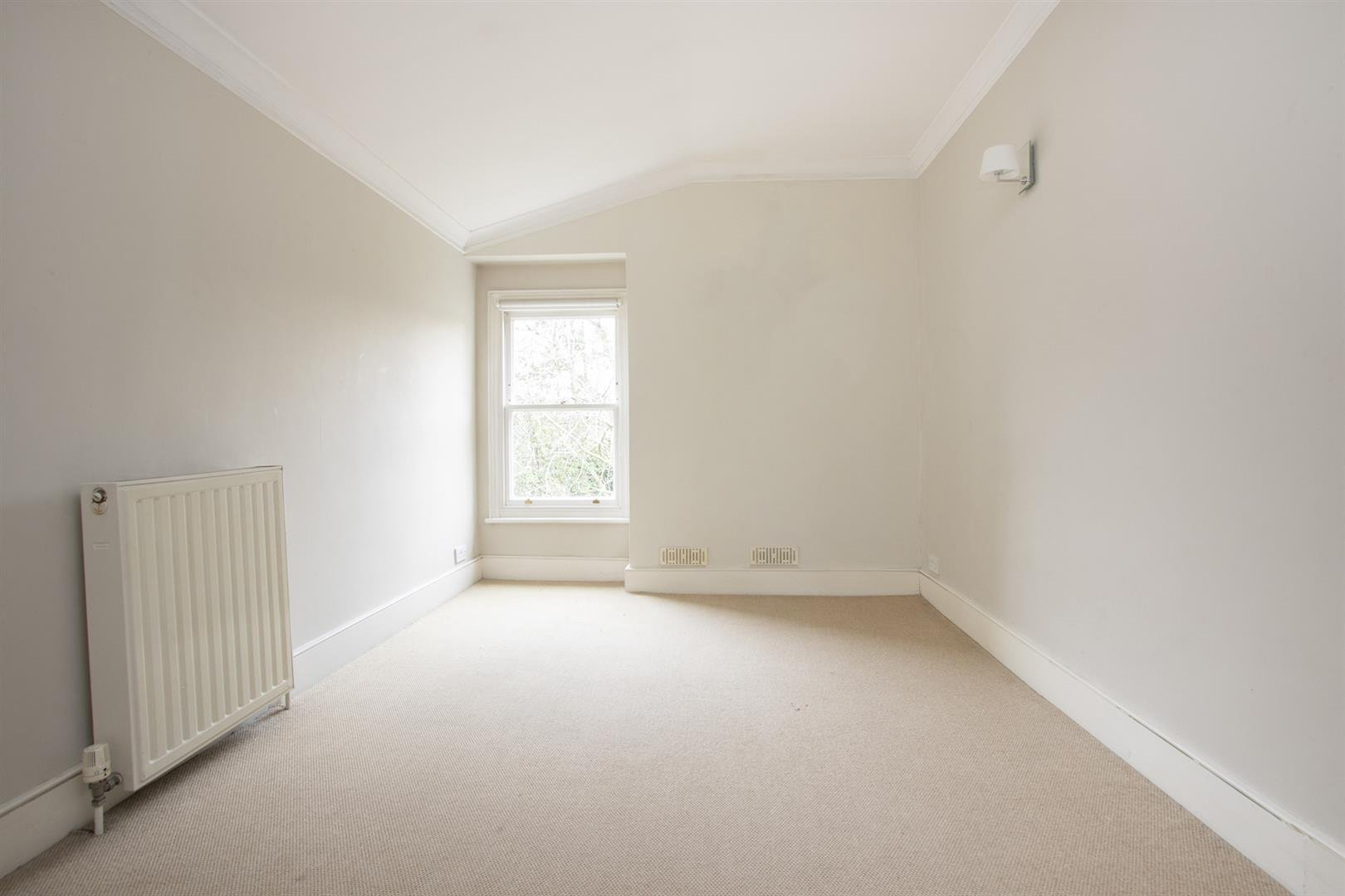 House - Terraced Sale Agreed in Elmington Road, Camberwell, SE5 718 view15
