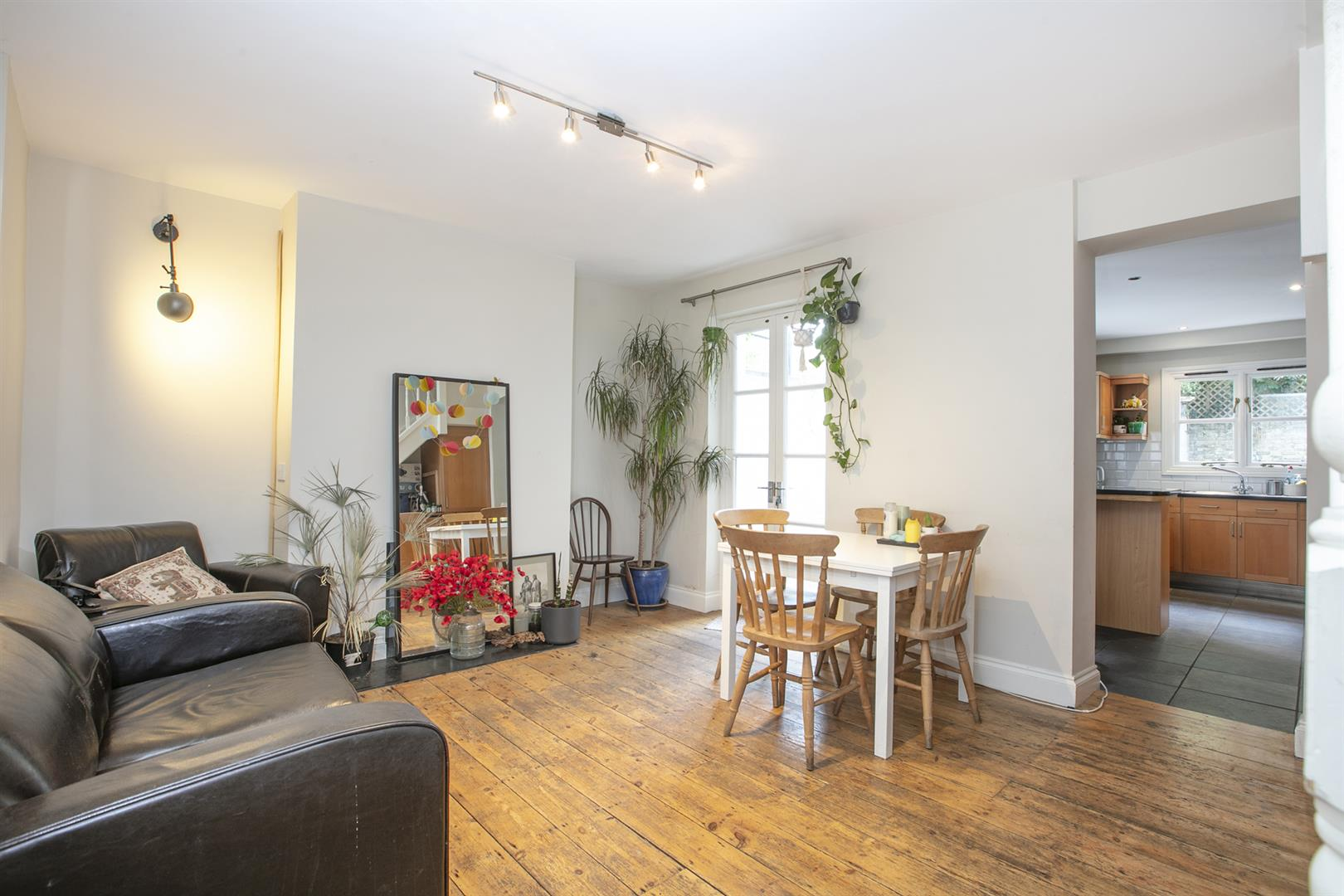 House - Terraced Sale Agreed in Elmington Road, Camberwell, SE5 718 view6