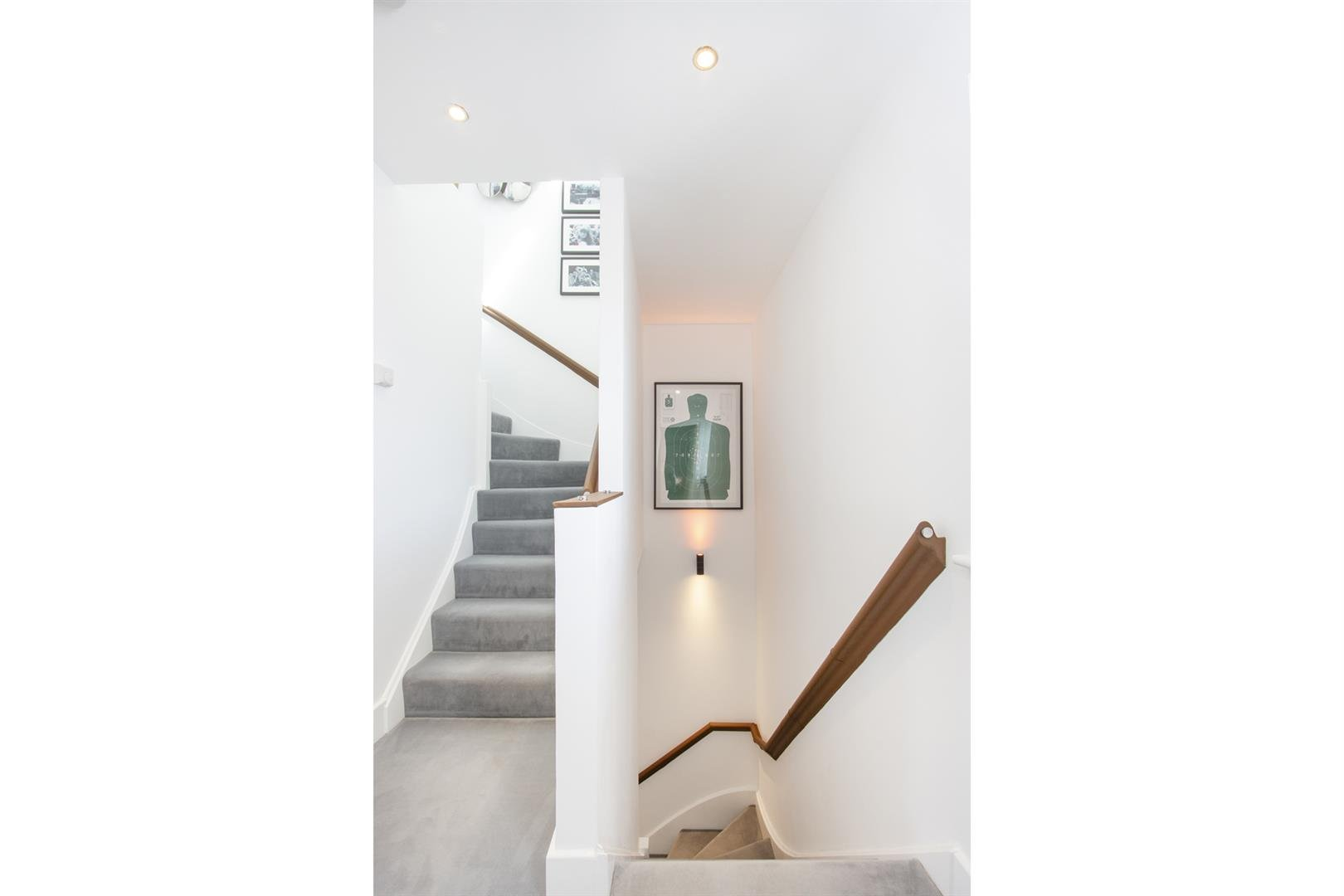 House - Semi-Detached For Sale in Empress Mews, Camberwell, SE5 810 view29