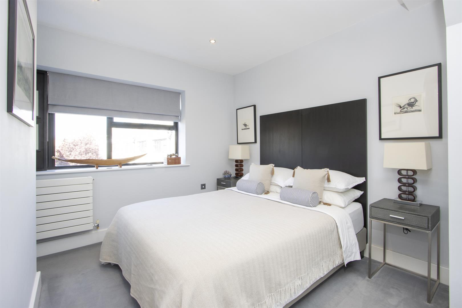 House - Semi-Detached For Sale in Empress Mews, Camberwell, SE5 810 view25