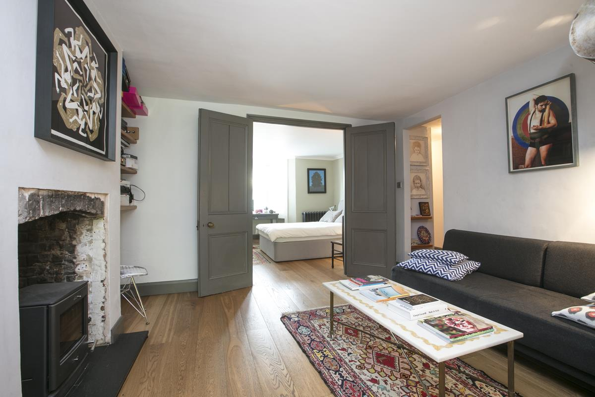 Flat/Apartment For Sale in Fenwick Road, Peckham, SE15 373 view3