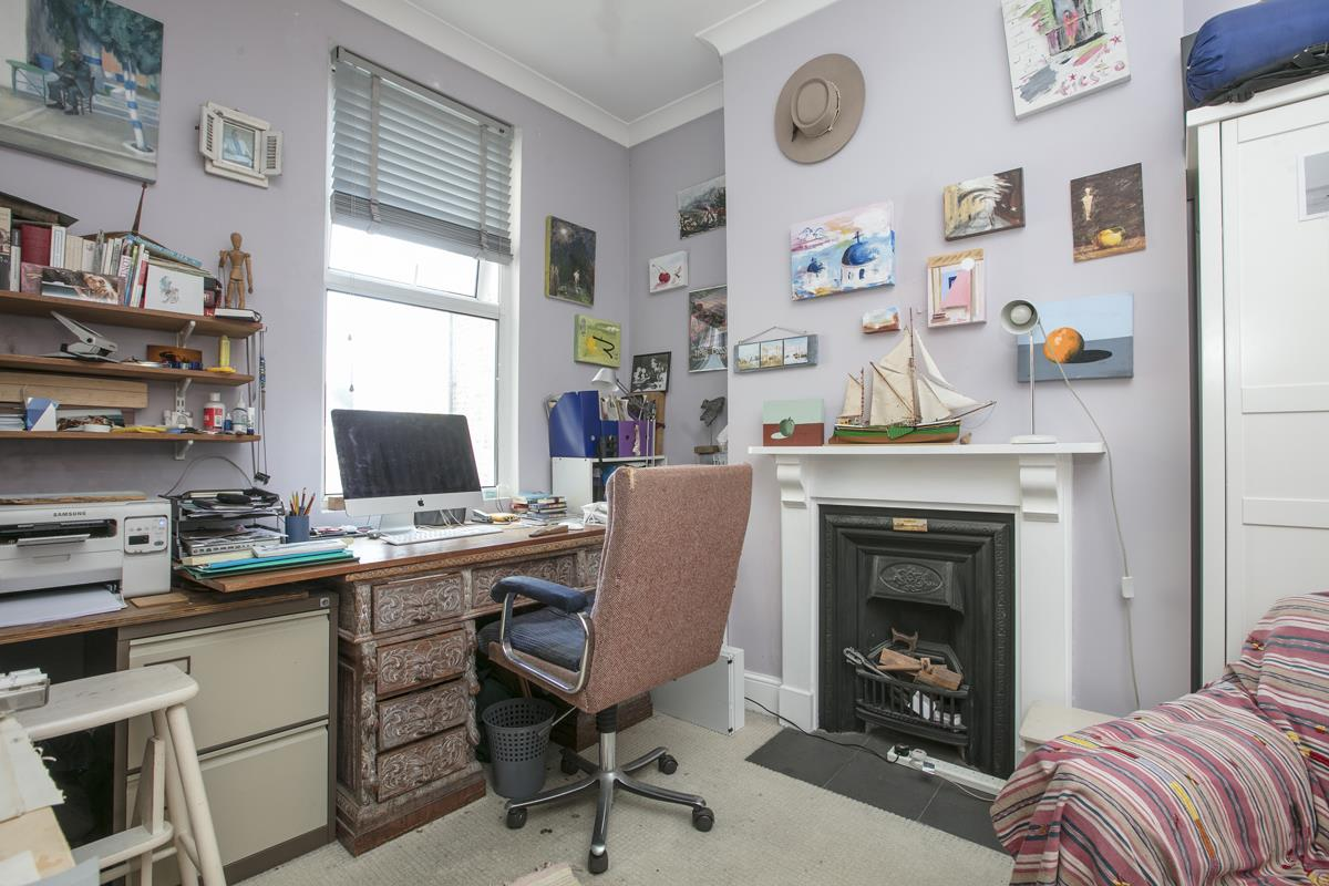 House - Terraced For Sale in Fenwick Road, Peckham, SE15 506 view8