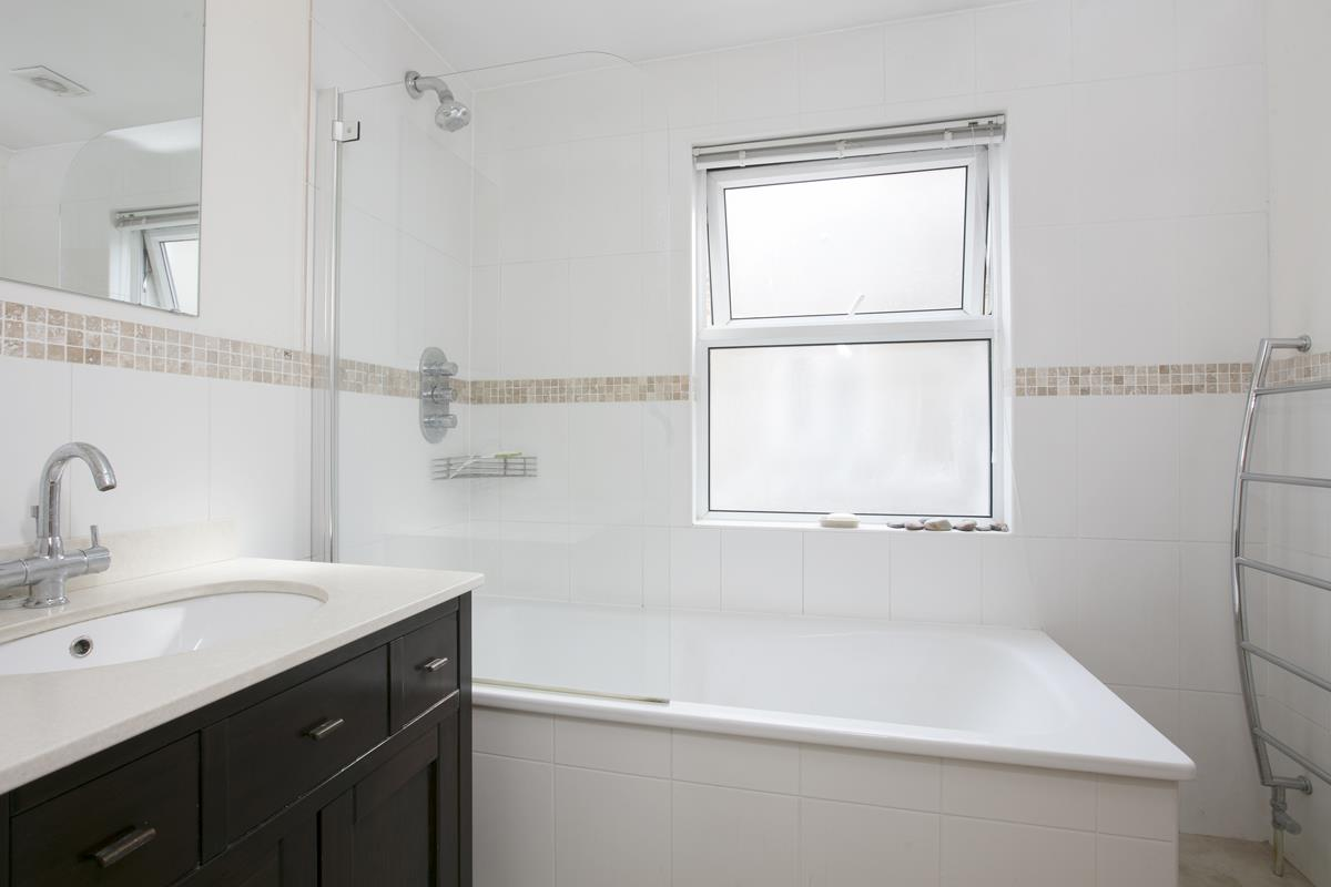 House - Terraced For Sale in Fenwick Road, Peckham, SE15 506 view7