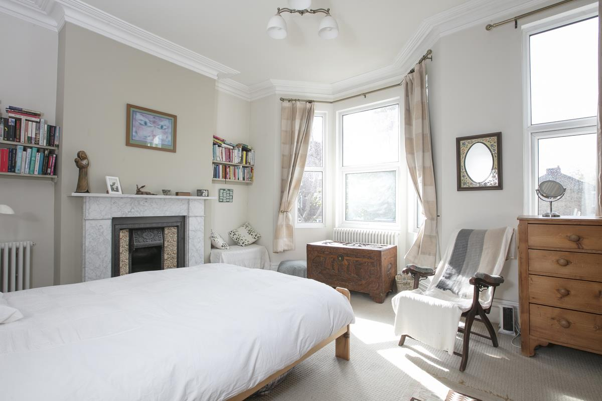 House - Terraced For Sale in Fenwick Road, Peckham, SE15 506 view9