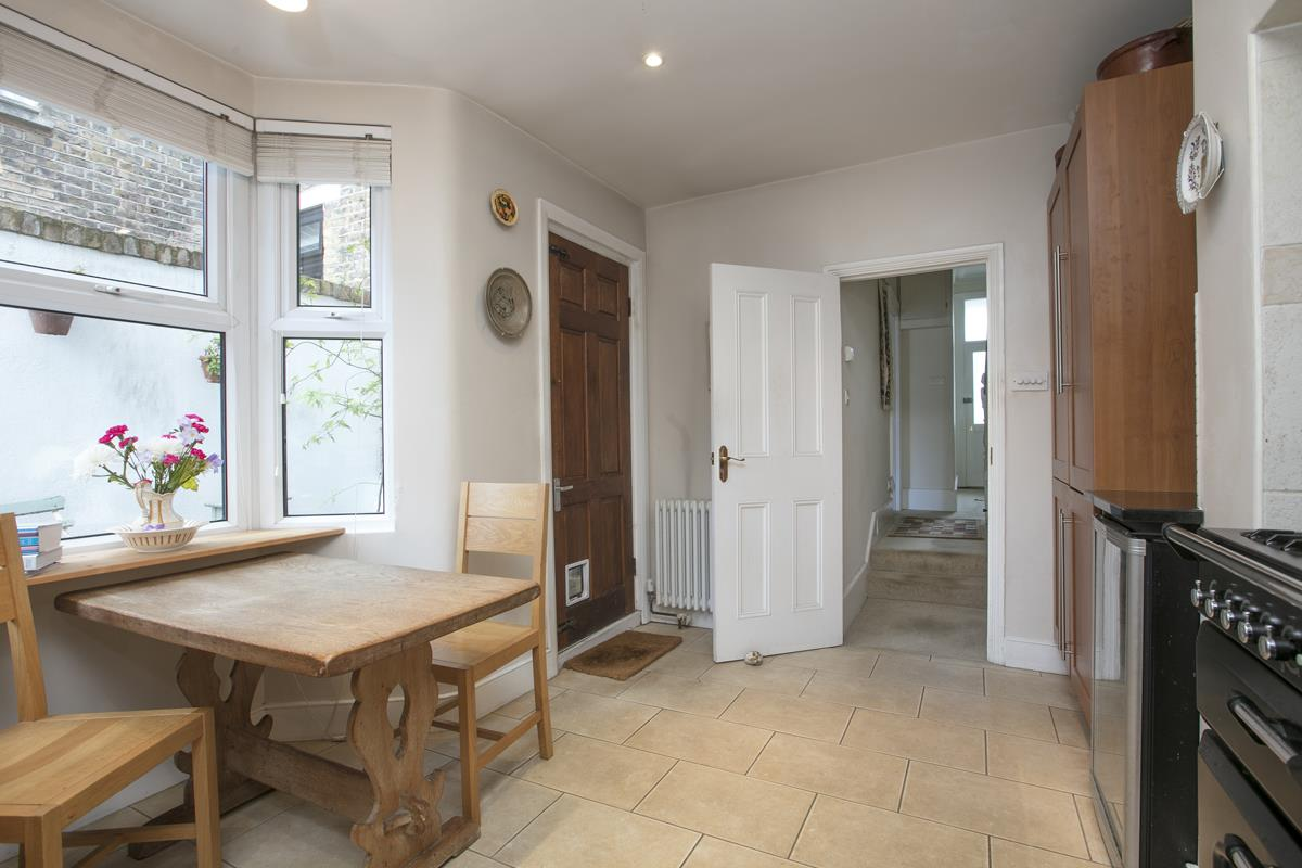 House - Terraced For Sale in Fenwick Road, Peckham, SE15 506 view16