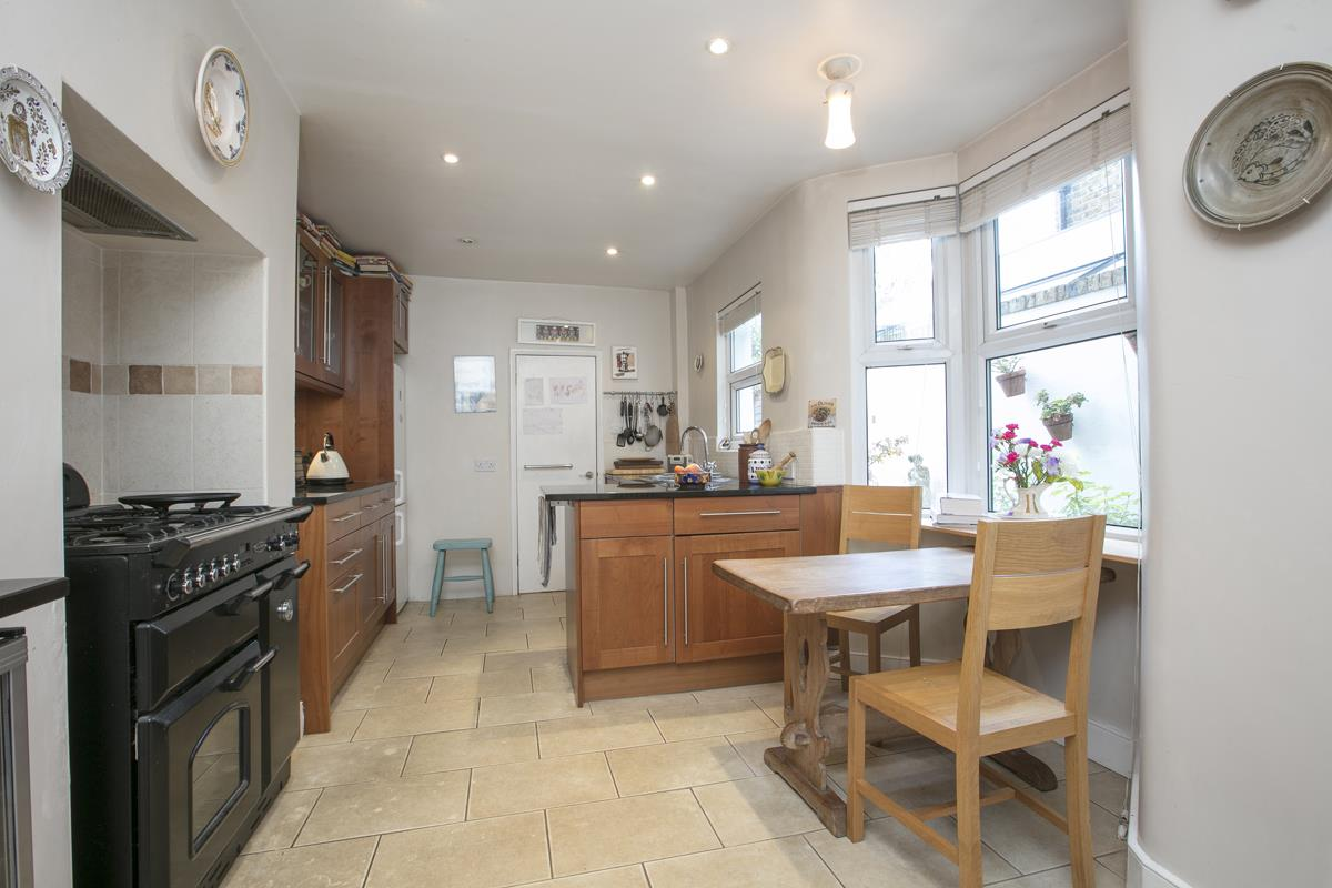 House - Terraced For Sale in Fenwick Road, Peckham, SE15 506 view14