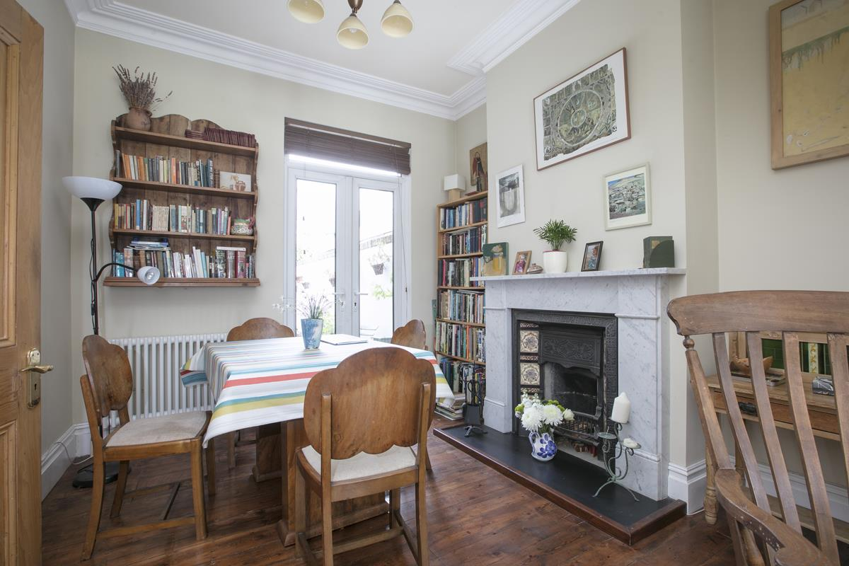 House - Terraced For Sale in Fenwick Road, Peckham, SE15 506 view4