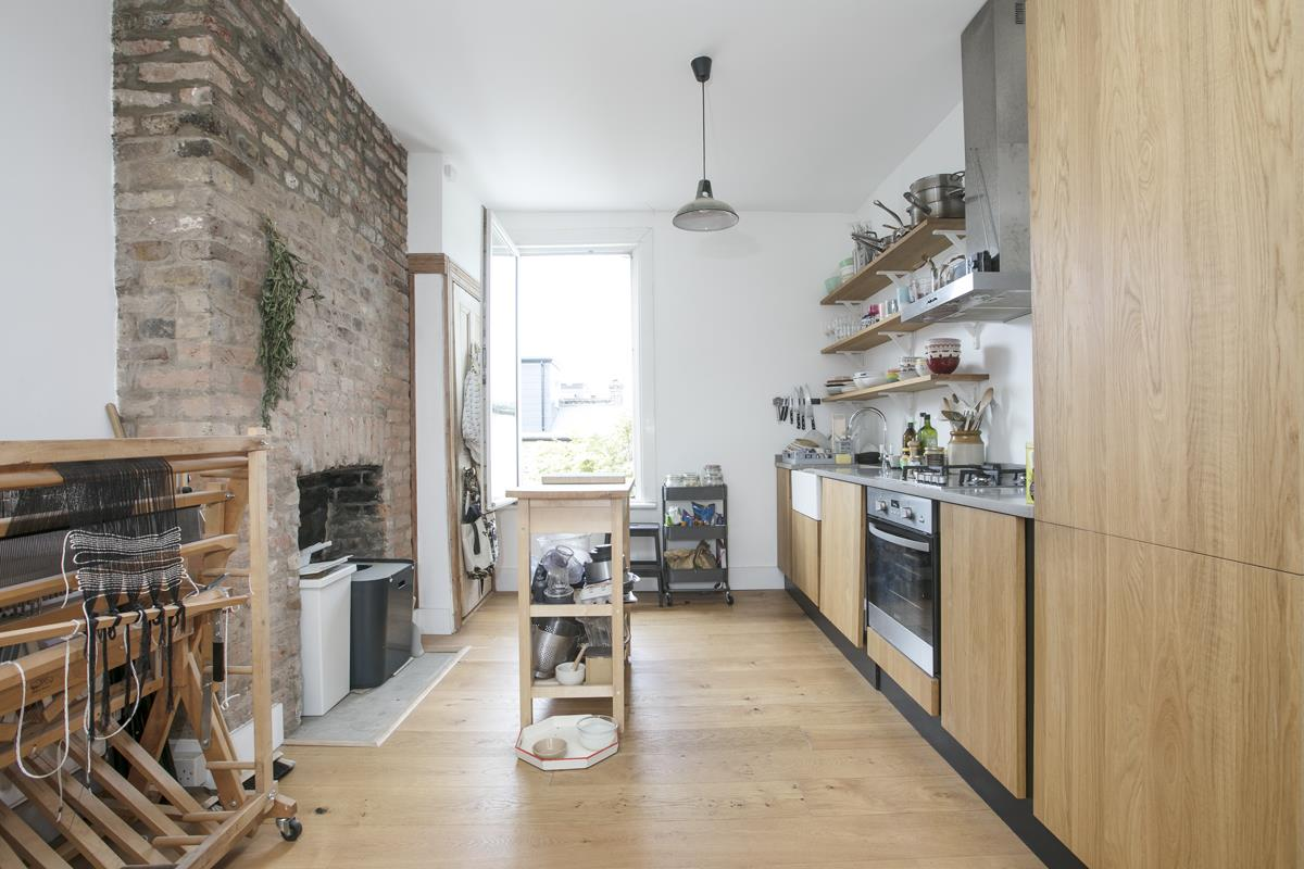 Flat/Apartment Sale Agreed in Finsen Road, Camberwell, SE5 370 view3