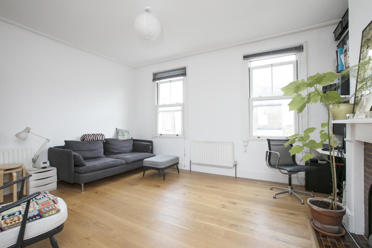 Flat/Apartment Sale Agreed in Finsen Road, Camberwell, SE5 370 view8