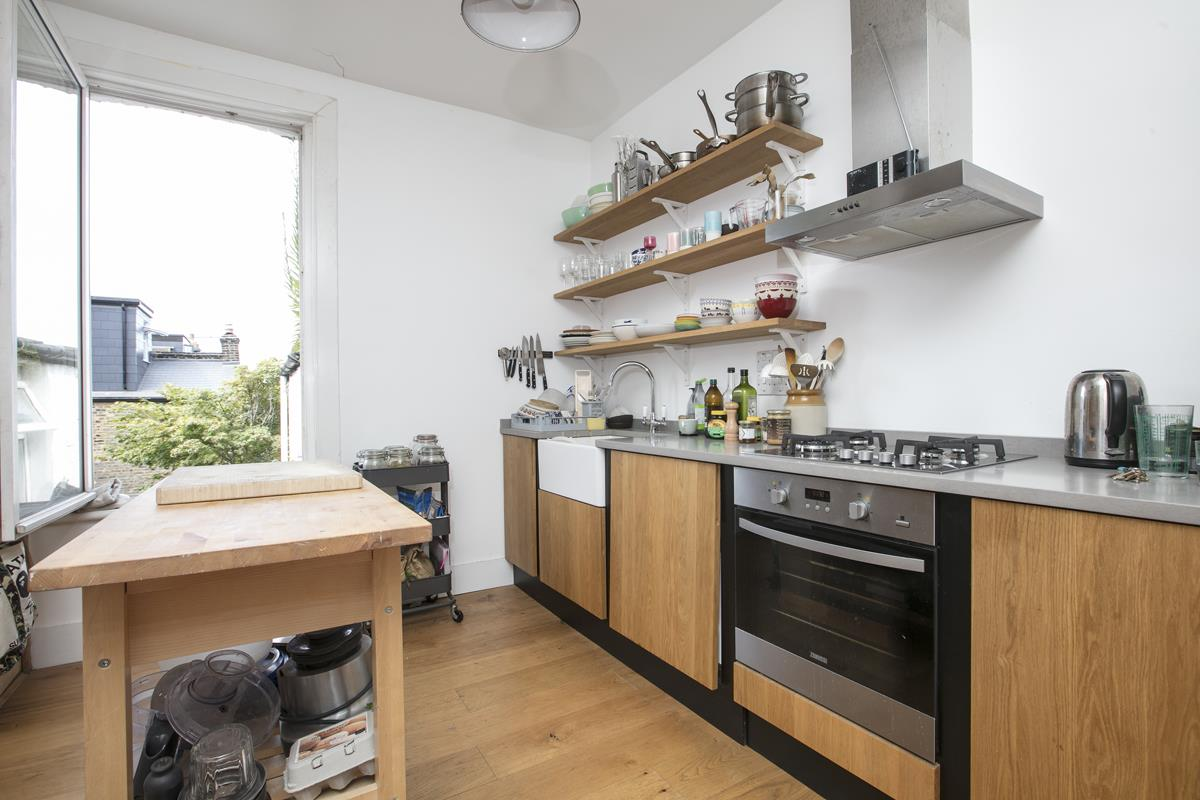 Flat/Apartment Sale Agreed in Finsen Road, Camberwell, SE5 370 view5