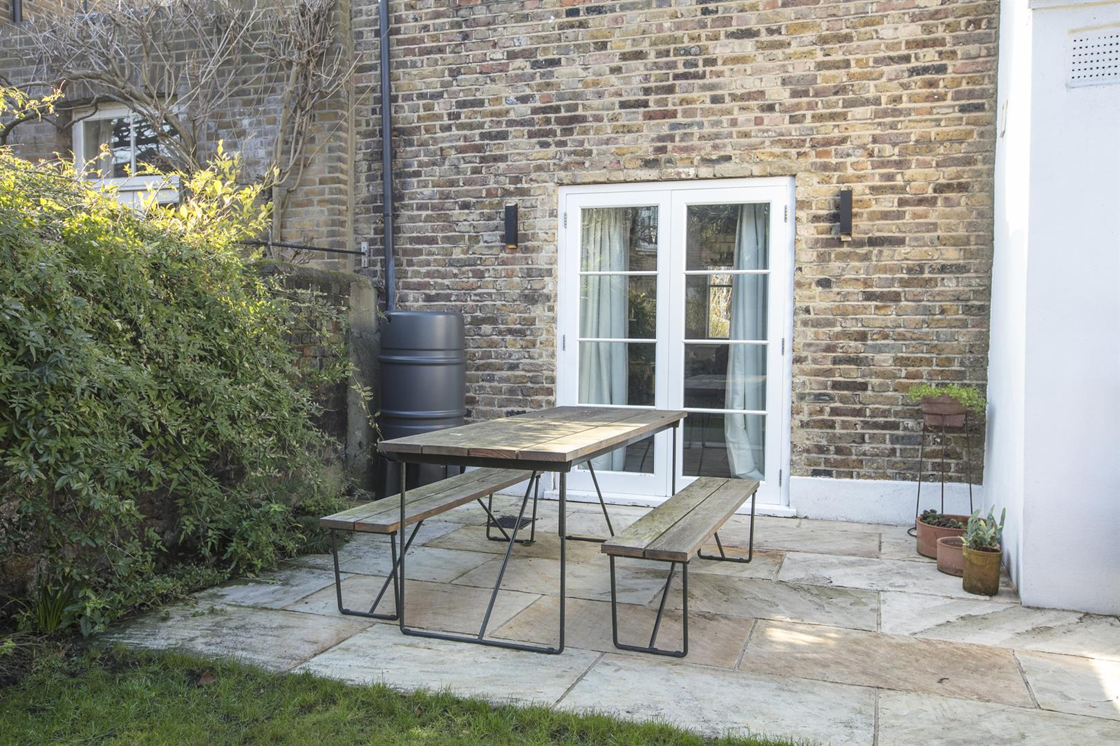 House - Terraced For Sale in Friary Road, Peckham, SE15 602 view39
