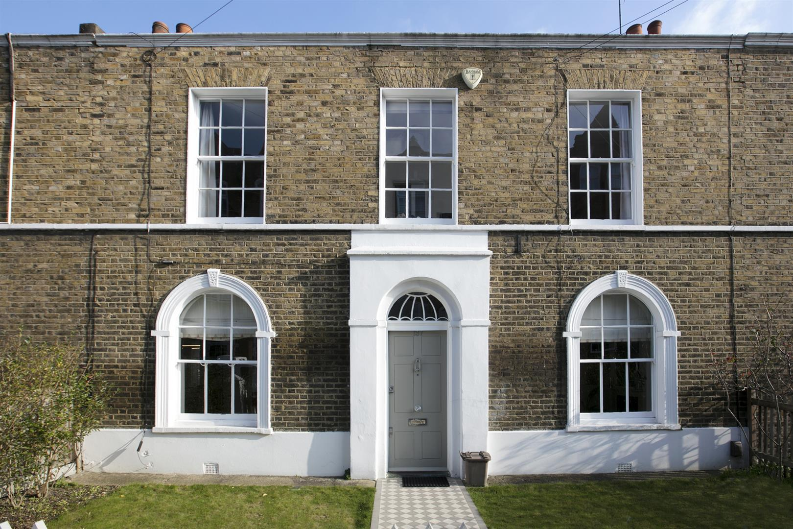 House - Terraced For Sale in Friary Road, Peckham, SE15 602 view1