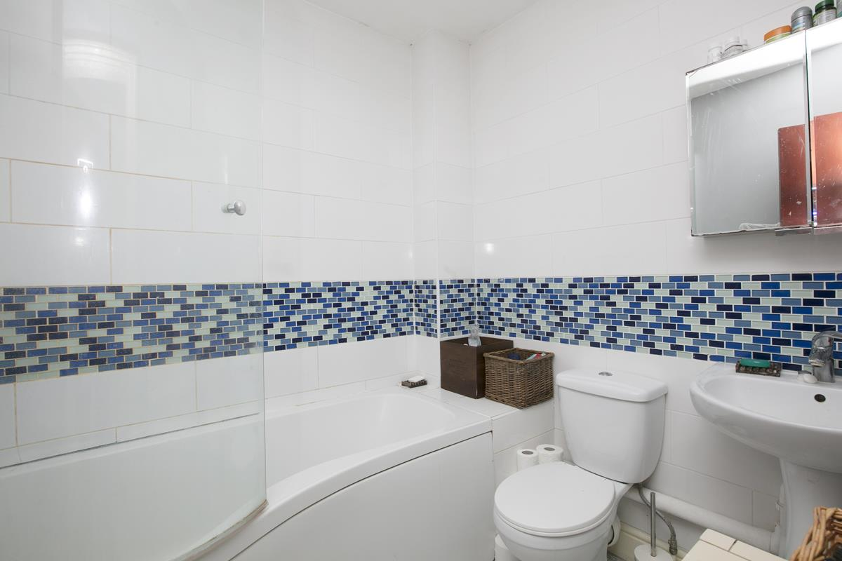 Flat/Apartment For Sale in Gables Close, Camberwell, SE5 512 view8
