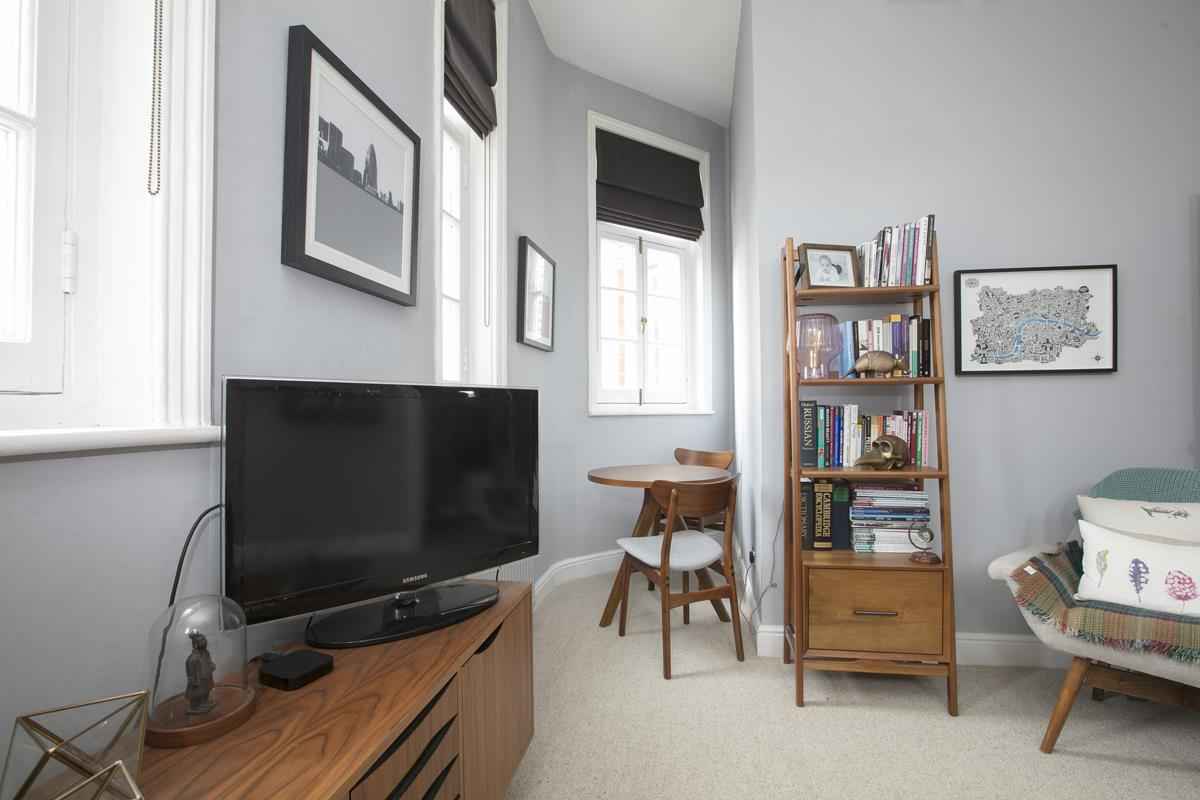 Flat/Apartment For Sale in Gables Close, Camberwell, SE5 512 view5