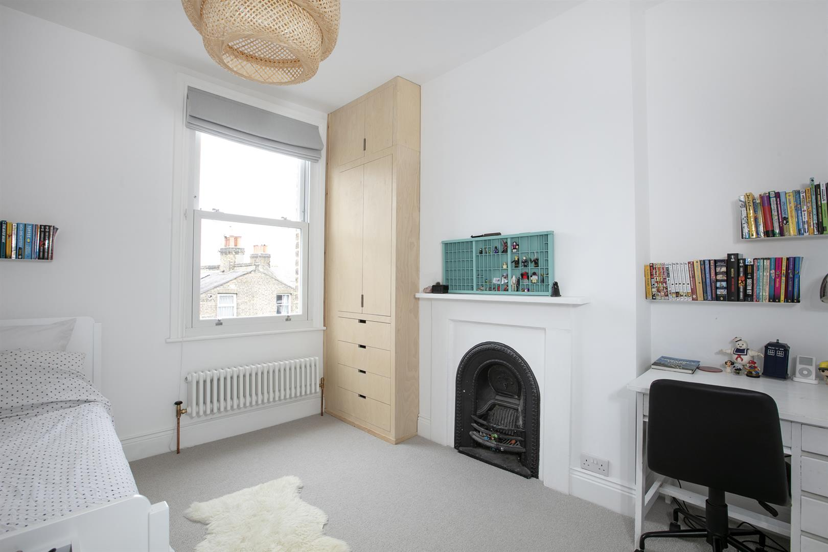 House - Terraced Sold in Gairloch Road, Camberwell, SE5 729 view13