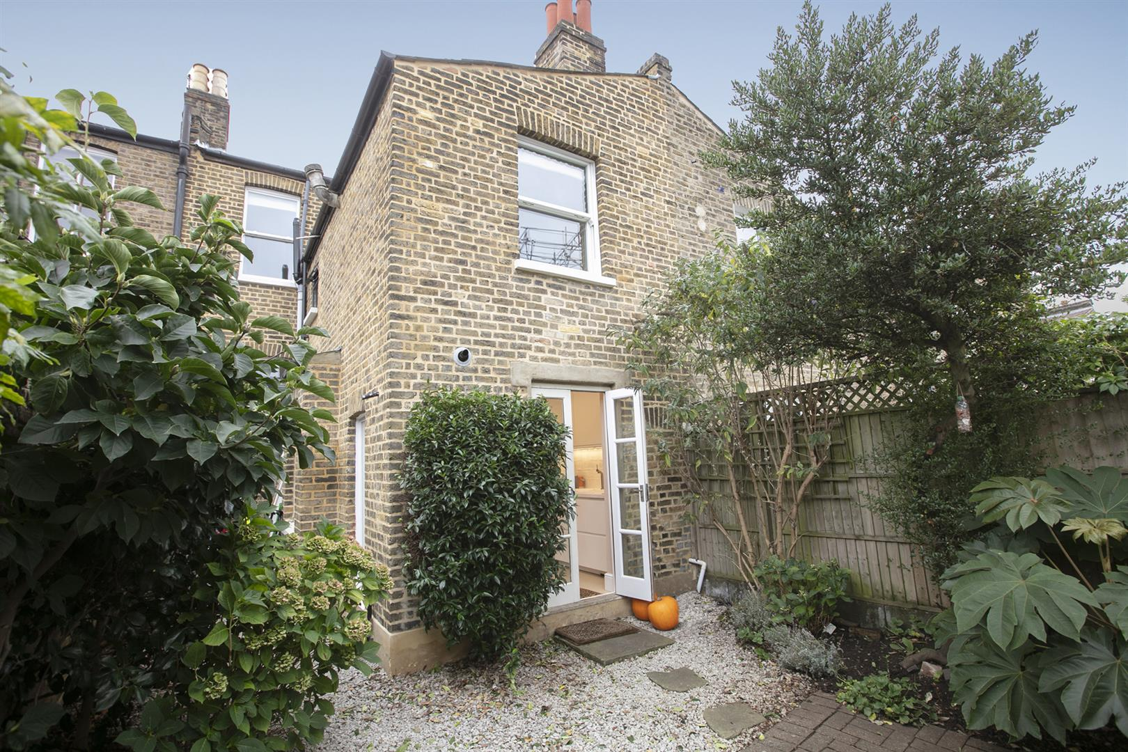 House - Terraced Sold in Gairloch Road, Camberwell, SE5 729 view10
