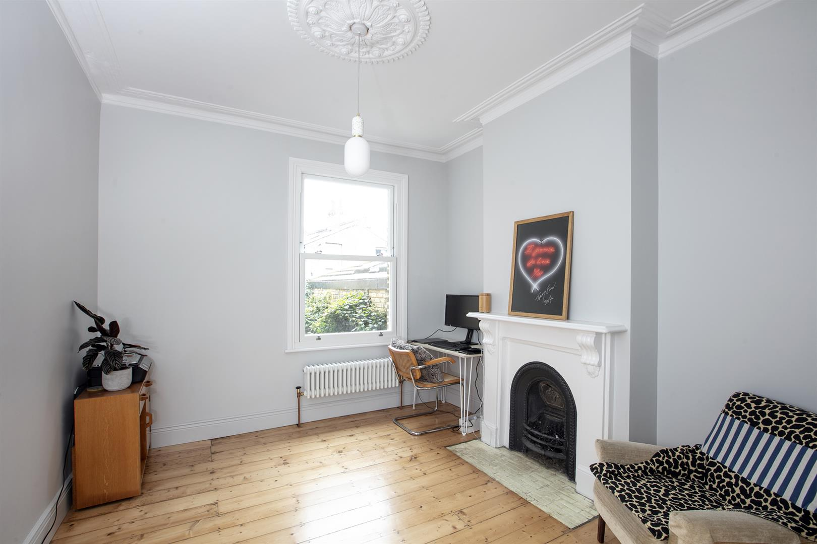 House - Terraced Sold in Gairloch Road, Camberwell, SE5 729 view8