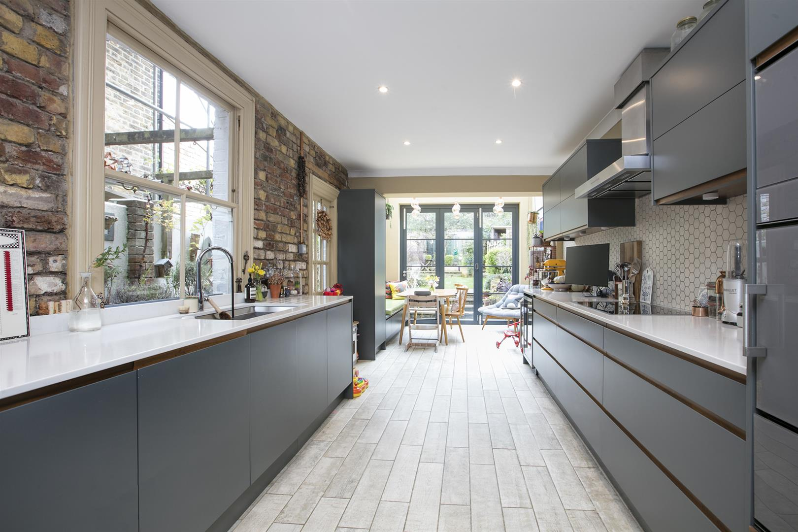 House - Terraced For Sale in Gipsy Road, West Norwood, SE27 597 view1