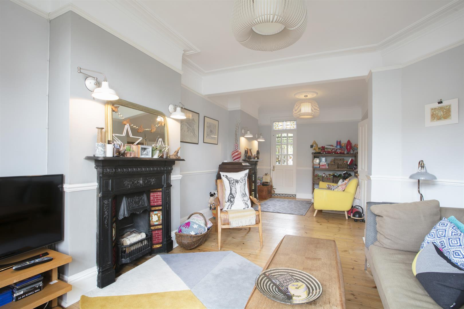 House - Terraced For Sale in Gipsy Road, West Norwood, SE27 597 view4