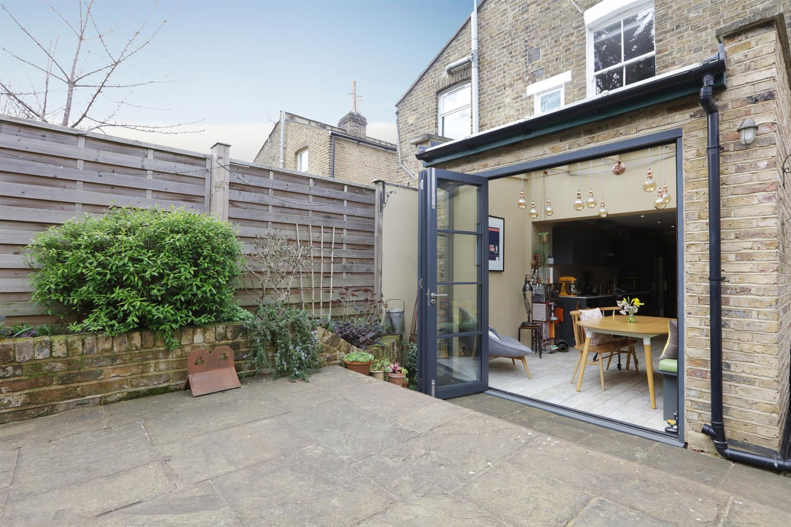 House - Terraced For Sale in Gipsy Road, West Norwood, SE27 597 view5