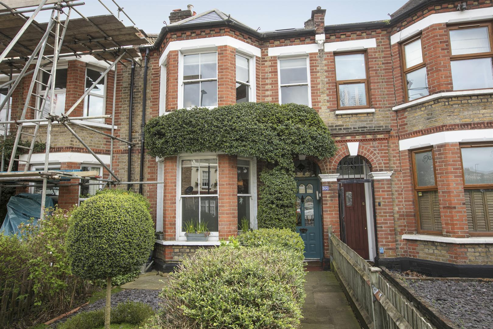 House - Terraced For Sale in Gipsy Road, West Norwood, SE27 597 view28