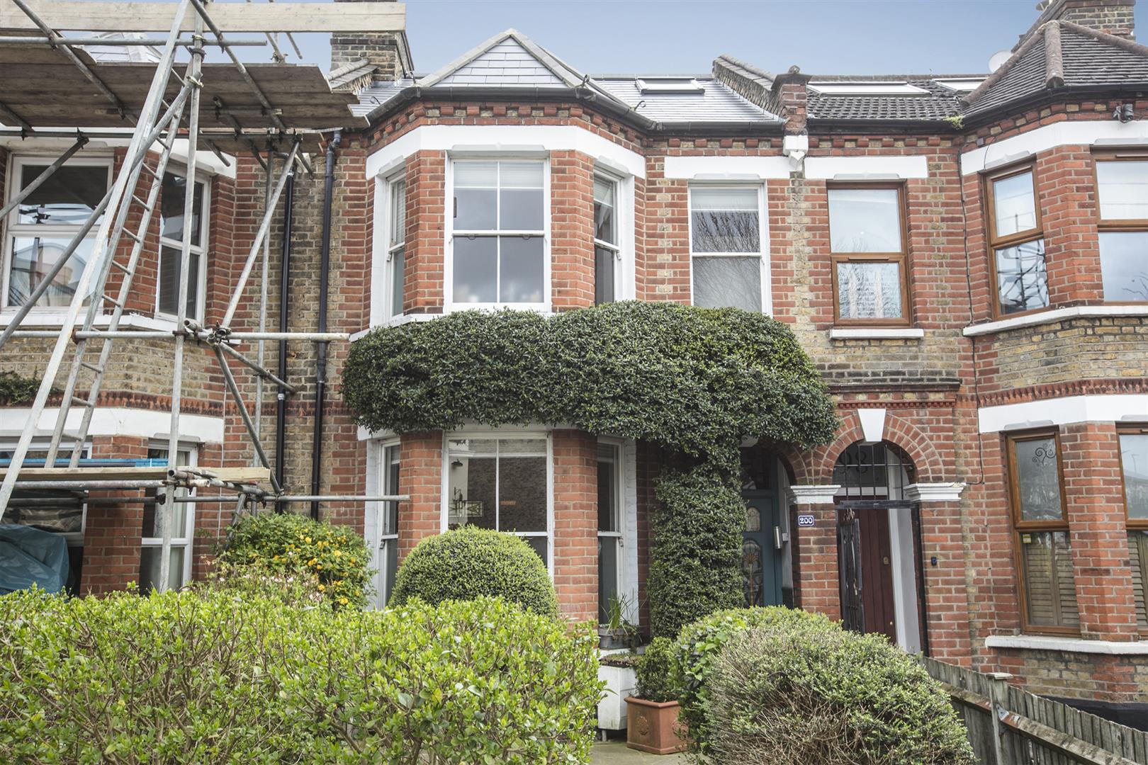 House - Terraced For Sale in Gipsy Road, West Norwood, SE27 597 view8