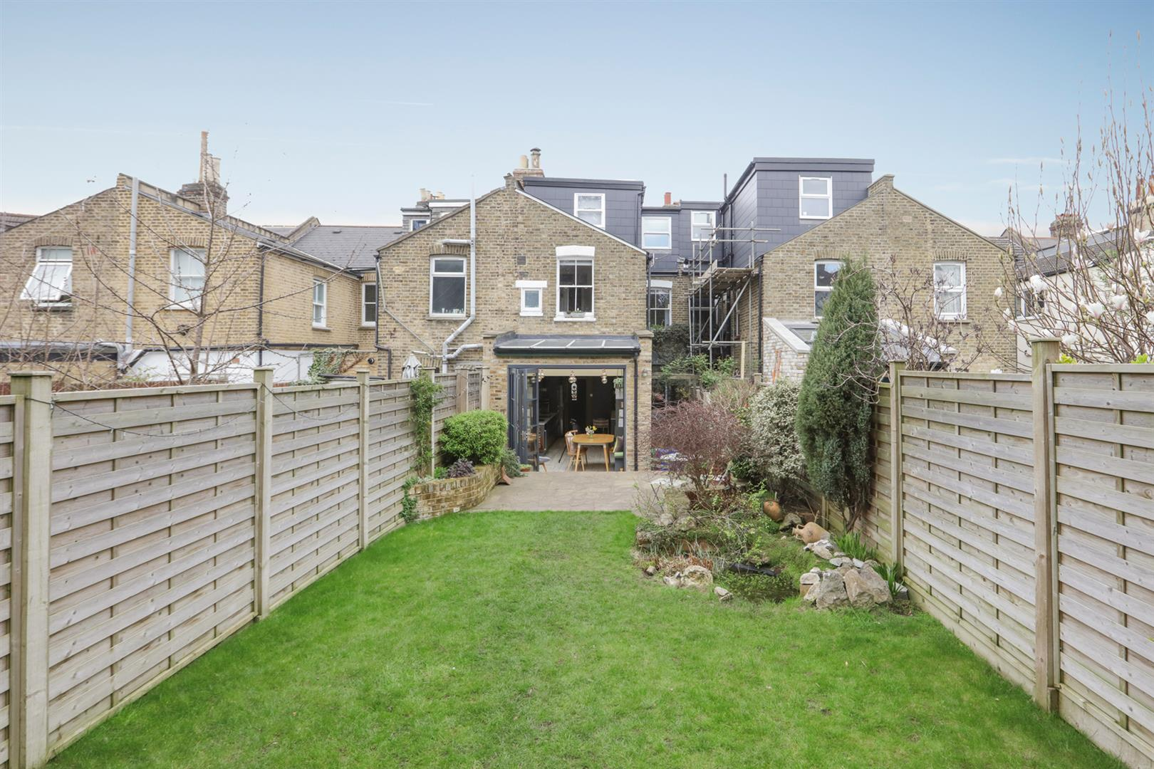 House - Terraced For Sale in Gipsy Road, West Norwood, SE27 597 view37