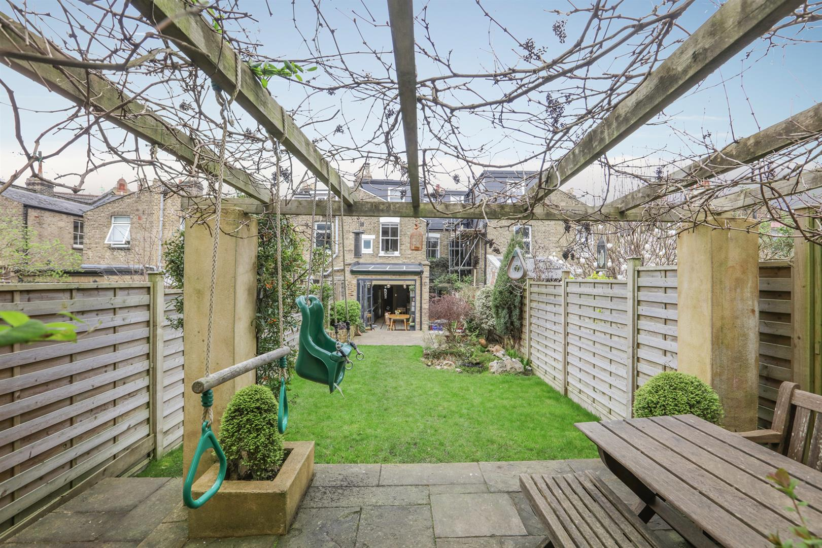 House - Terraced For Sale in Gipsy Road, West Norwood, SE27 597 view2