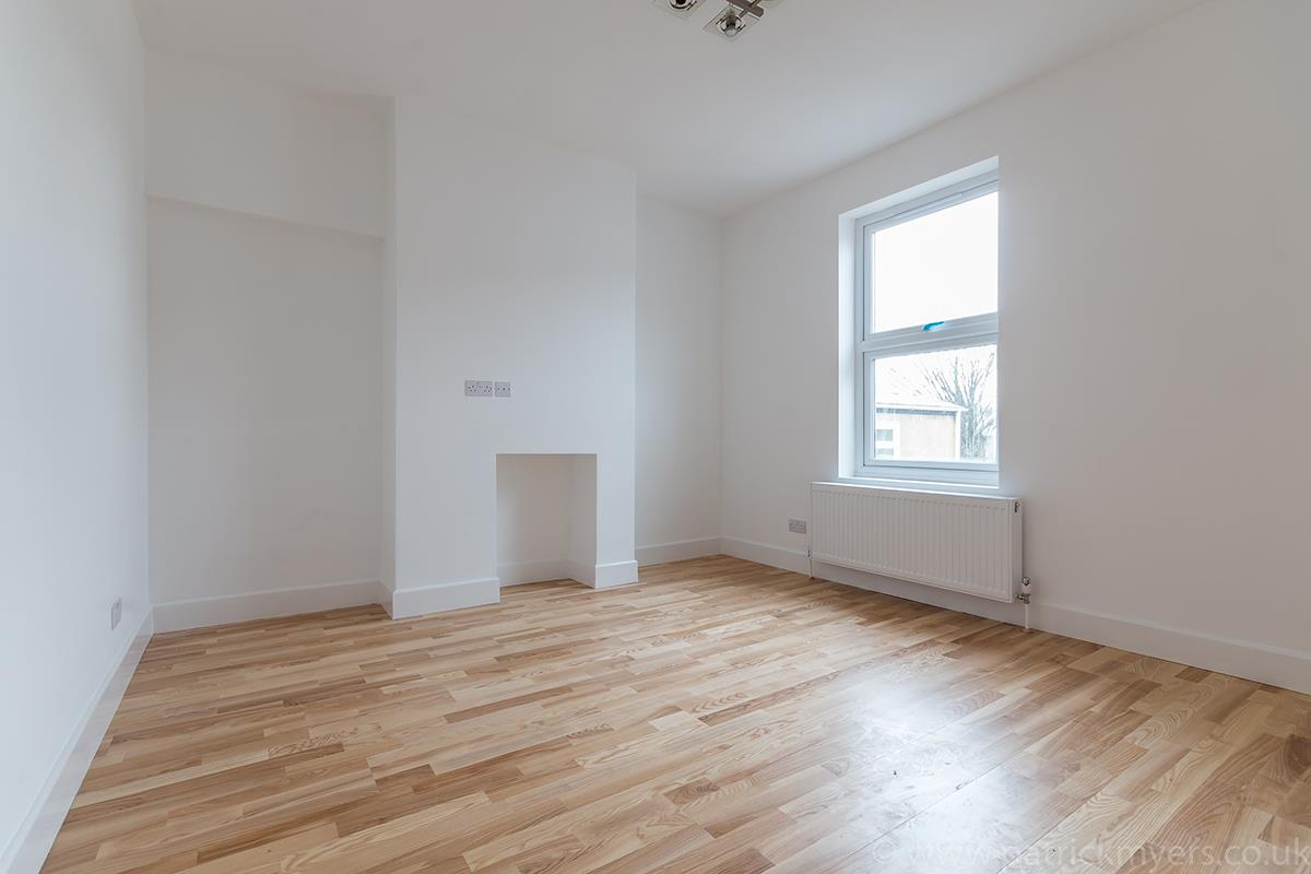 Flat - Conversion Sale Agreed in Gordon Road, Nunhead SE15 16 view7