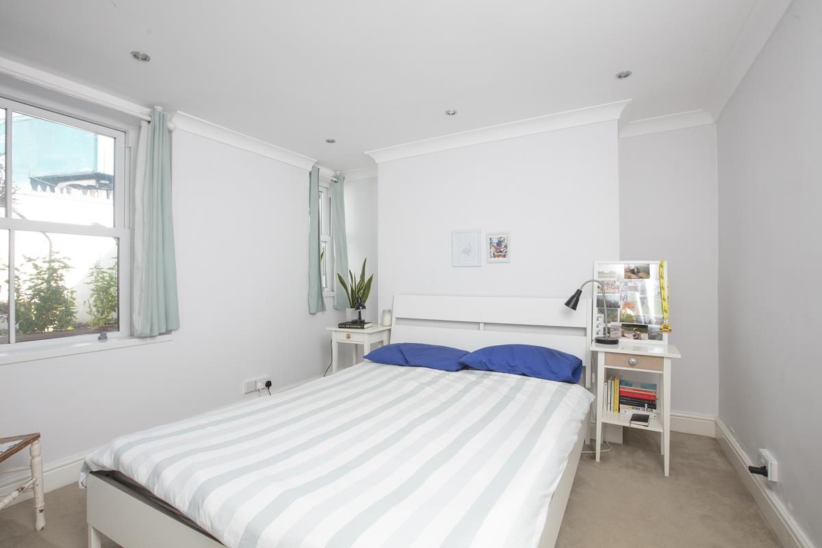 Flat/Apartment Sold in Gordon Road, Nunhead, SE15 501 view5