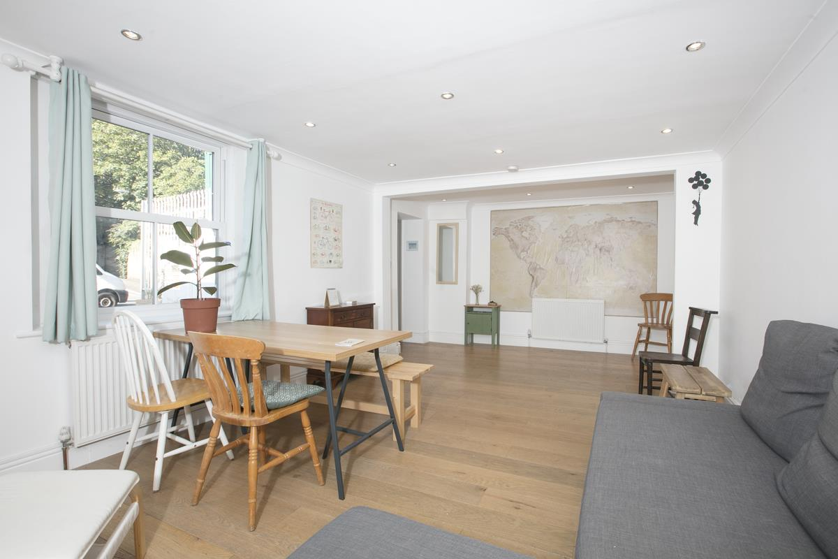 Flat/Apartment Sold in Gordon Road, Nunhead, SE15 501 view4