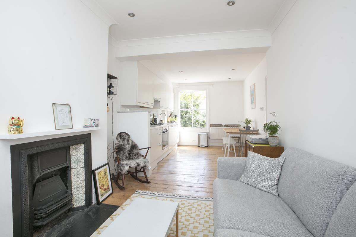Flat - Conversion Sale Agreed in Graces Road, Camberwell, SE5 487 view2