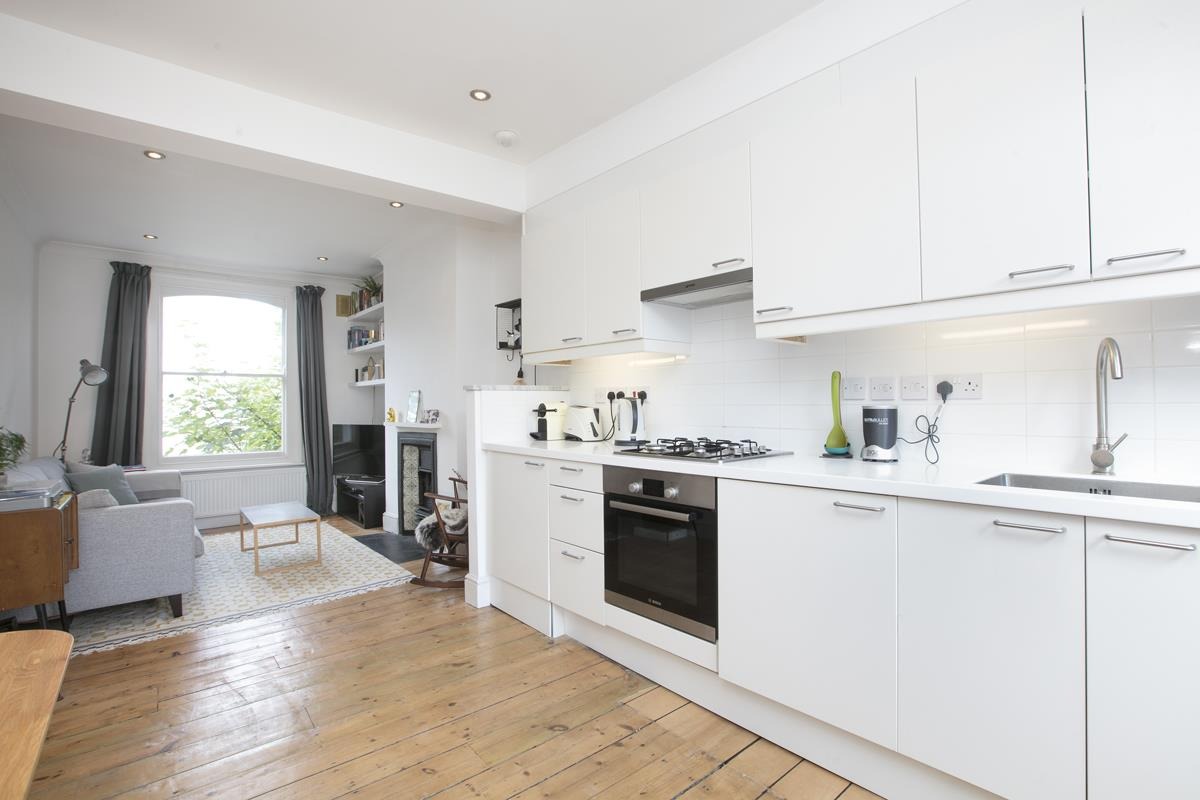 Flat - Conversion Sale Agreed in Graces Road, Camberwell, SE5 487 view5