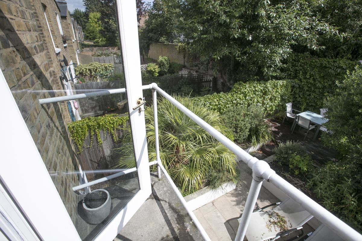 Flat - Conversion Sale Agreed in Graces Road, Camberwell, SE5 487 view3
