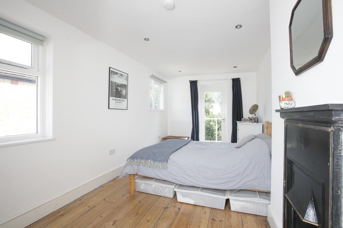 Flat - Conversion Sale Agreed in Graces Road, Camberwell, SE5 487 view7
