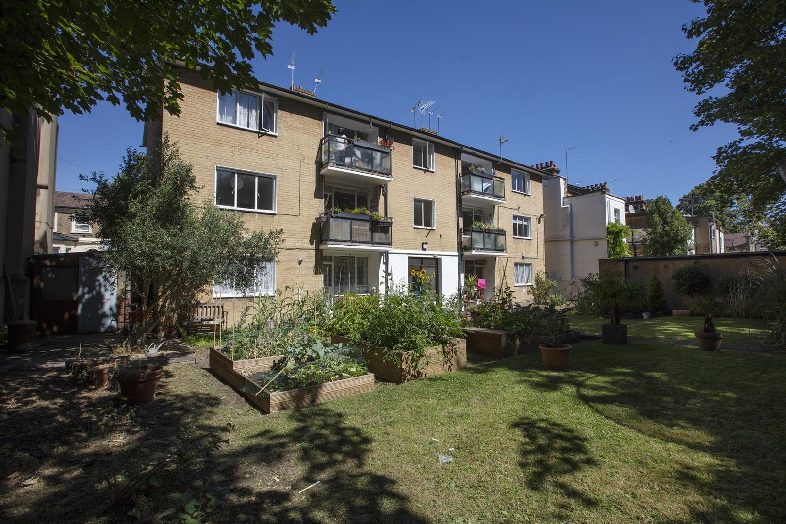 Flat - Purpose Built Sold in Graces Road, Camberwell, SE5 661 view1