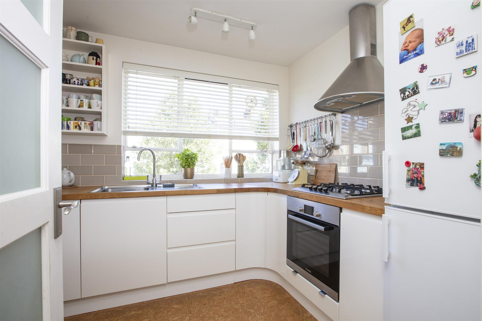 Flat - Purpose Built Sold in Graces Road, Camberwell, SE5 661 view3