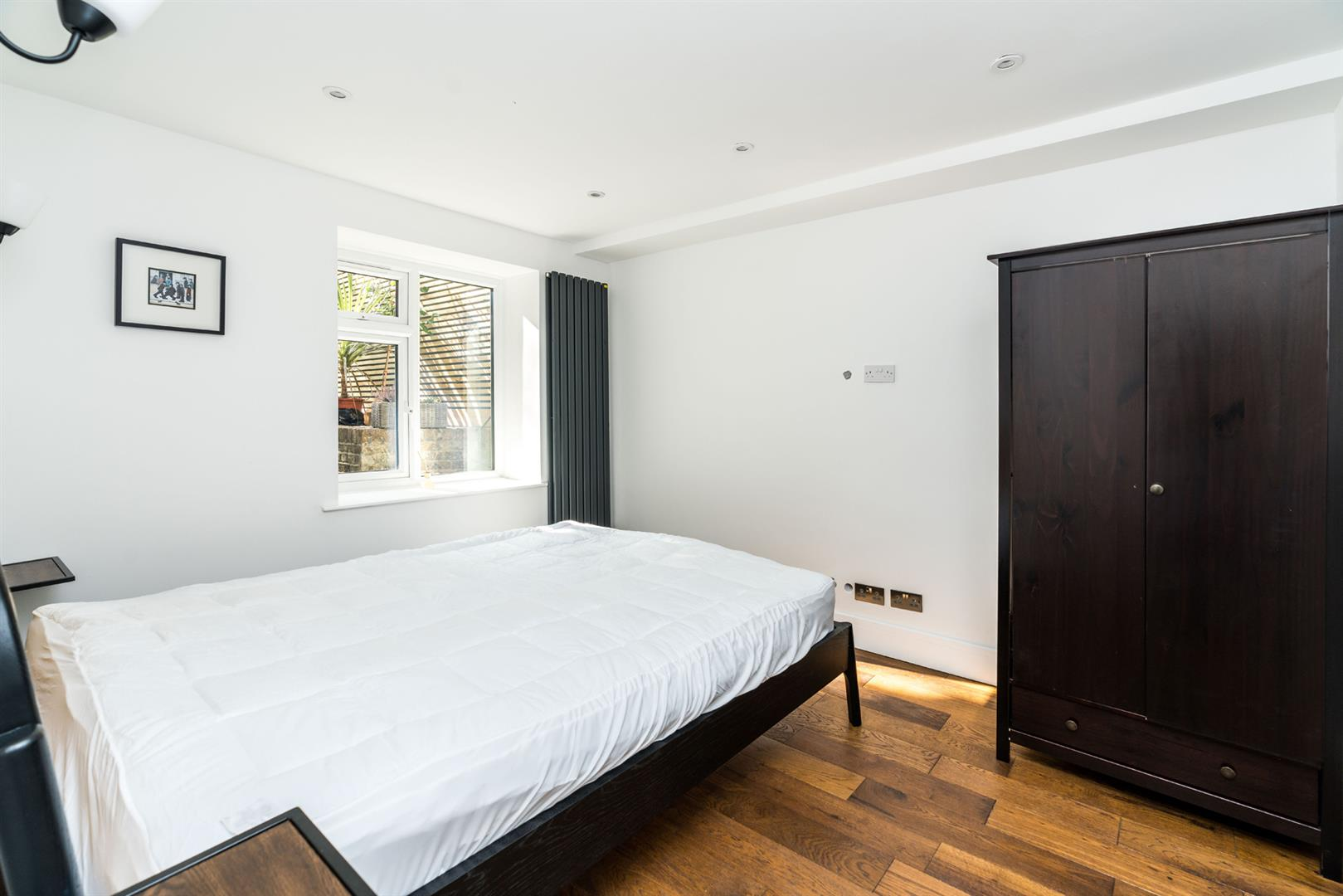 Flat - Conversion For Sale in Graces Road, Camberwell, SE5 752 view9