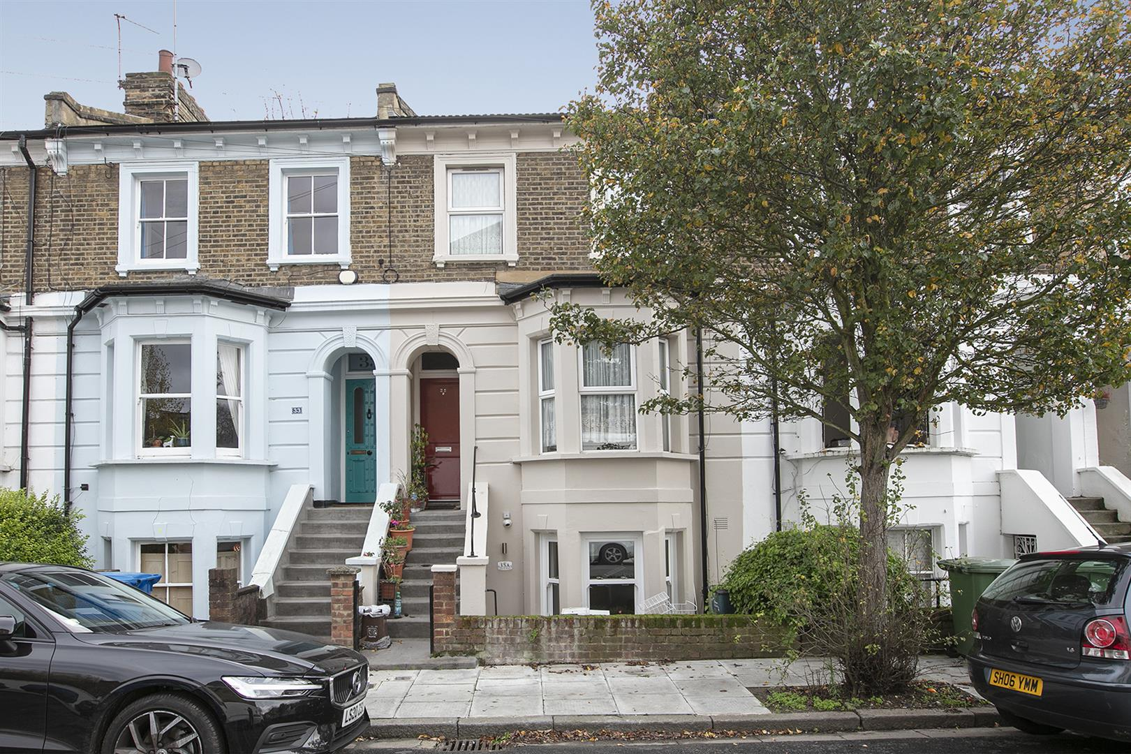 Flat - Conversion For Sale in Graces Road, Camberwell, SE5 752 view1