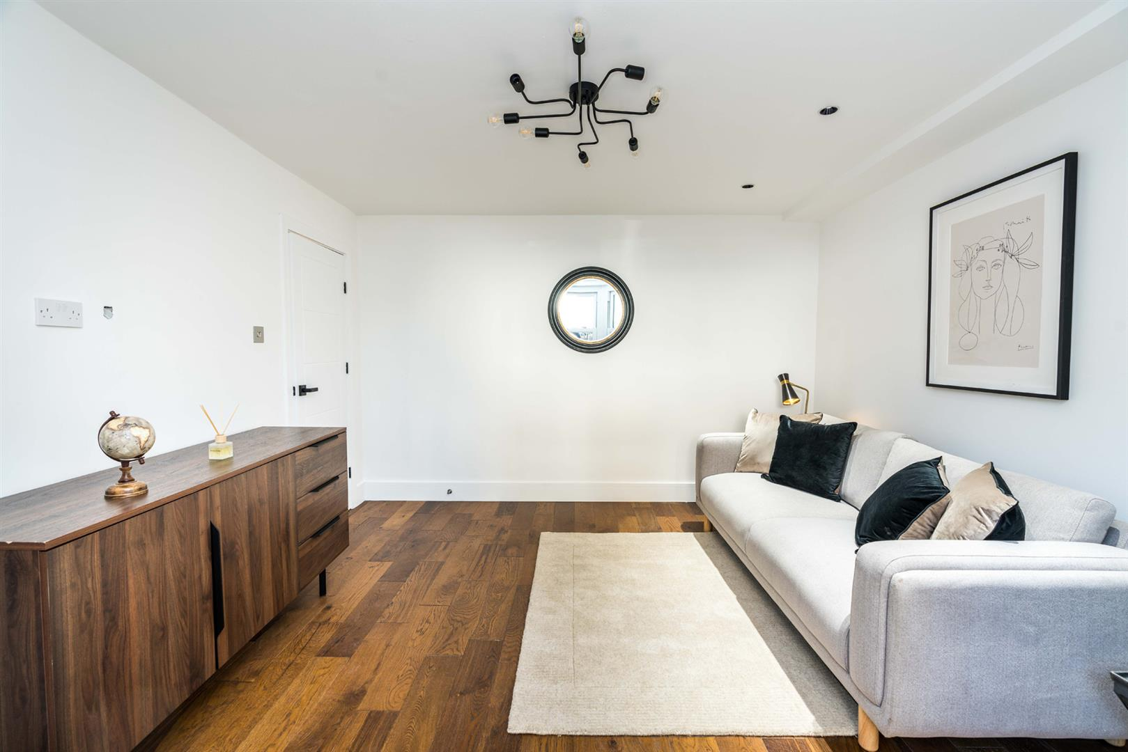 Flat - Conversion For Sale in Graces Road, Camberwell, SE5 752 view7
