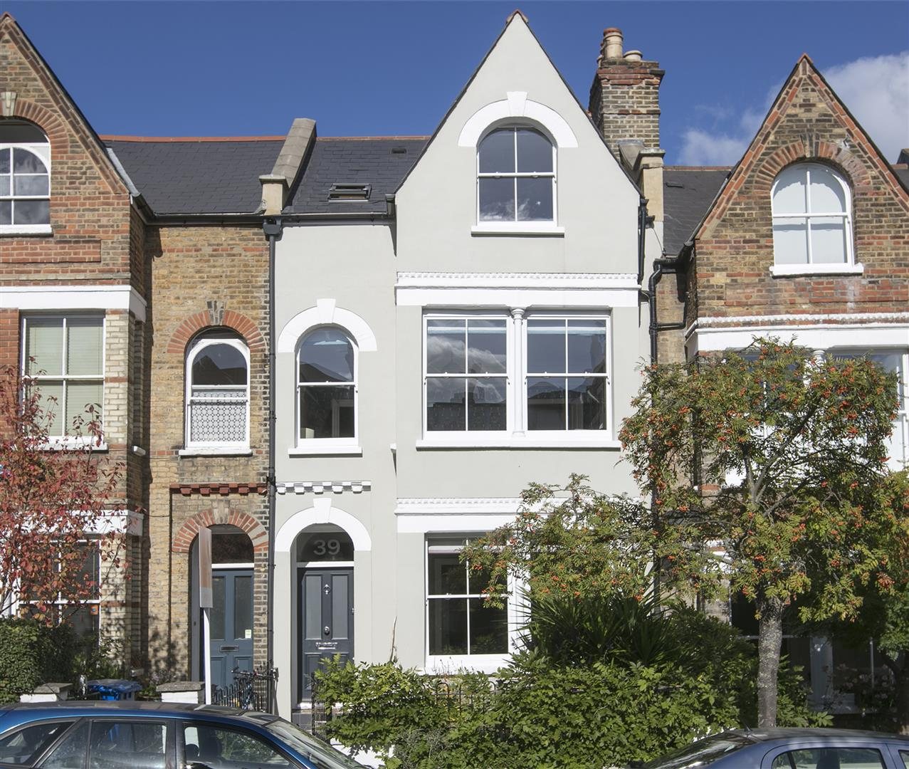 House - Terraced Sold in Grove Hill Road, Camberwell, SE5 378 view1
