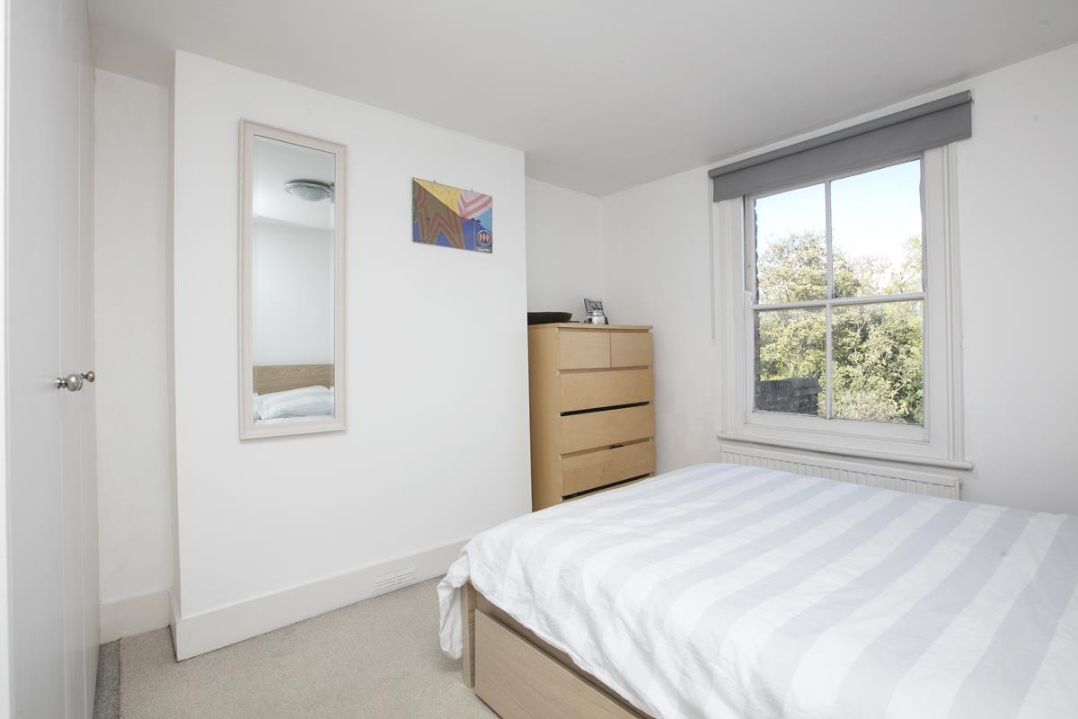 Flat/Apartment Sale Agreed in Grove Hill Road, Camberwell, SE5 390 view9