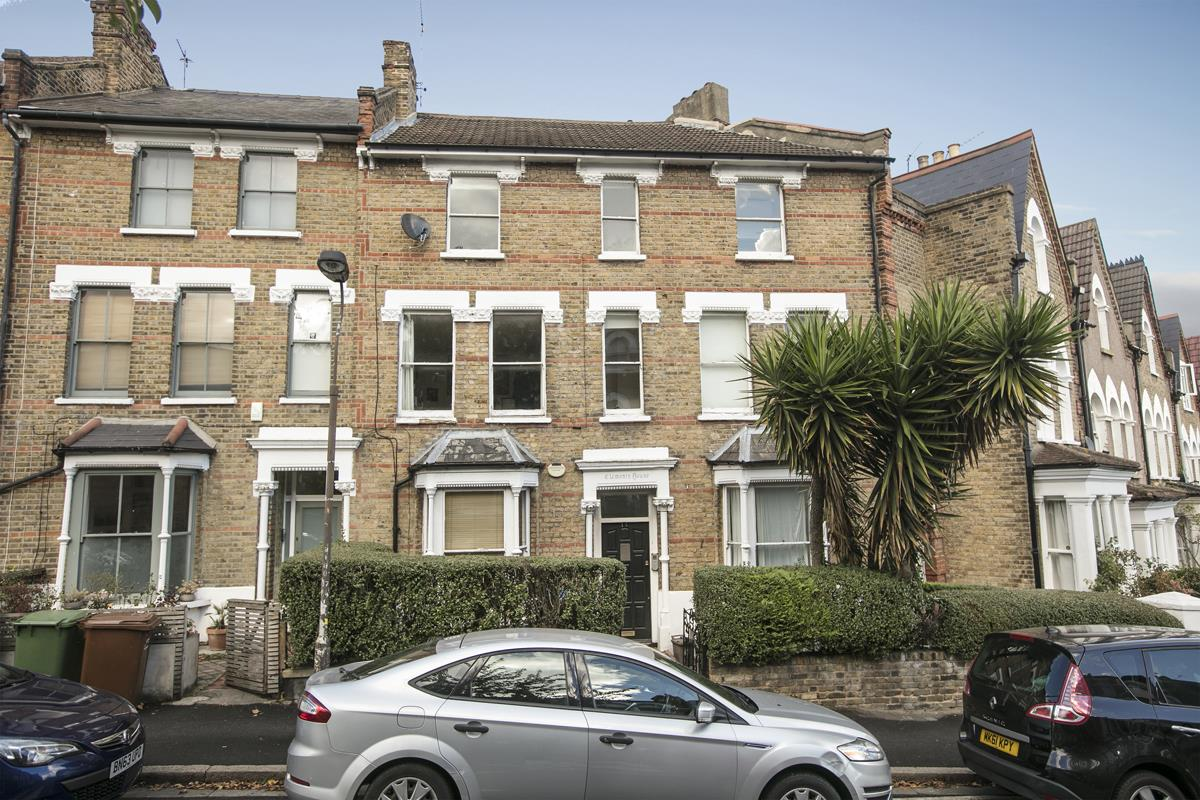 Flat/Apartment Sold in Grove Hill Road, Camberwell, SE5 390 view1