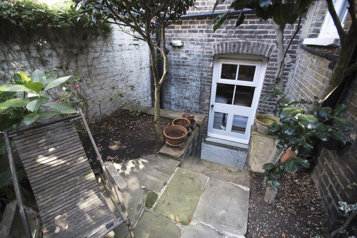 House - Terraced For Sale in Grove Lane, Camberwell, SE5 259 view14